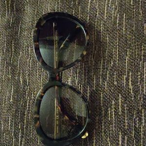 Louis Vuitton Bluebell shades Authentic